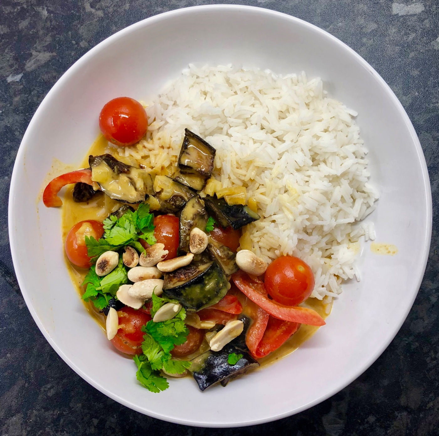 how to cook aubergine curry